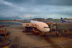 靠码头的喷气机 免版税图库摄影