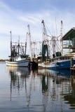 靠码头的虾小船 库存图片