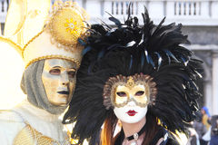 面具夫妇在威尼斯狂欢节的  库存照片