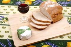 面包、酒和乳酪 免版税库存图片