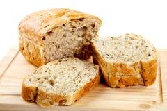 面包剪切查出的大面包reflaction 库存照片
