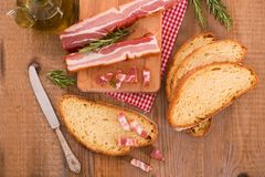 面包和烟肉 库存照片