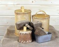 黑面包和白桦树皮调味汁 库存图片