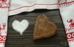 面包和盐心脏 图库摄影
