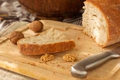 面包在厨房里 库存图片