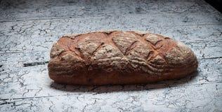 面包在木背景,食物特写镜头的 免版税库存照片