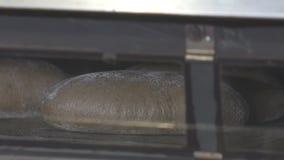 面包在烤箱被烘烤 股票录像