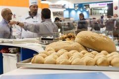 添面包在主人2013年在米兰,意大利 免版税库存照片