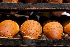 面包在Mechane耶胡达市场,耶路撒冷,以色列上 库存图片