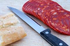 面包大蒜香肠 免版税库存图片