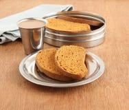面包干和茶 库存图片