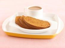 面包干和茶 图库摄影
