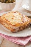 面包干酪croque被盘问的火腿先生 免版税图库摄影