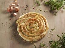 面包店产品叫borek,小馅饼 免版税库存照片