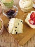 面包早餐松饼卷 免版税库存图片