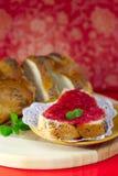 面包果酱草莓白色 免版税库存图片