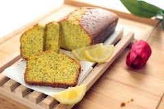 面包柠檬罂粟种子 免版税库存照片