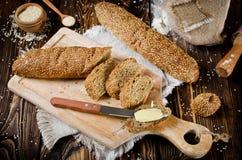 面包植入芝麻 免版税库存照片