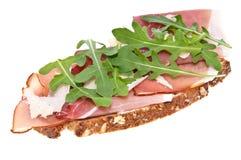 面包火腿巴马干酪火箭沙拉 库存图片