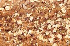 面包燕麦剥落和芝麻籽香菜。 图库摄影