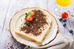 面包片用hagelslag巧克力洒 库存照片