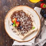 面包片用hagelslag巧克力洒 免版税图库摄影