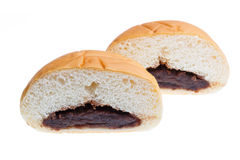 面包片里面是红豆隔绝,与裁减路线 免版税库存照片
