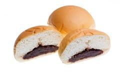 面包片里面是红豆隔绝,与裁减路线 库存图片