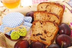 面包自创蜂蜜李子 库存照片