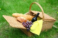 面包葡萄酒 库存图片