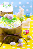 面包蛋糕装饰复活节传统 免版税库存照片