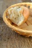 面包饮食部分 免版税库存照片