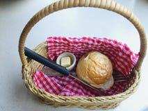 面包,篮子 免版税库存照片