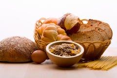 面包,谷物厂,面团 面包,谷物厂, 库存照片
