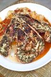 面团、虾和西红柿酱 图库摄影