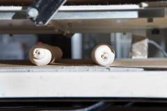 面团分切器和铸工机器 免版税库存照片