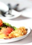 面团油煎的大虾 免版税库存图片