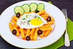 面团用鸡蛋和Chia种子 免版税库存图片