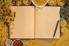 面团食谱书-文本的空间 免版税库存图片