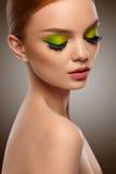 面孔秀丽 有构成画象的时尚妇女 优质Im 免版税库存图片