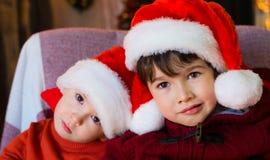 面孔,圣诞节帽子,关闭,乐趣 免版税库存图片