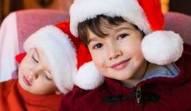 面孔,圣诞节帽子,关闭,乐趣 免版税库存照片