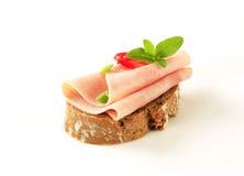 面对的火腿单片三明治 库存图片