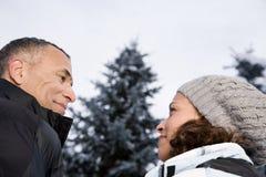 面对面成熟的夫妇 免版税库存图片