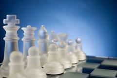 面对面的棋,第一步 复制文本的空间 免版税库存照片