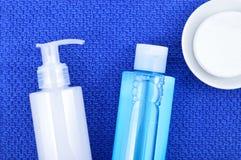 面对洗涤洗涤的胶凝体、调色剂和棉花洗涤的垫 库存图片