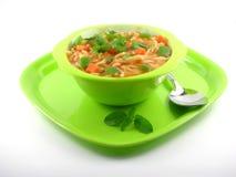 面条准备用蕃茄小汤 免版税库存照片