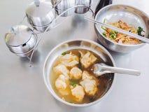 面条猪肉和饺子水 库存图片