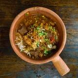 面条猪肉辣米的调味汁 库存图片