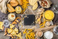 面筋免费食物和面粉,杏仁,玉米,米,鸡豆 免版税图库摄影